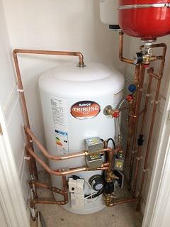Image 39 - A unvented hot water cylinder