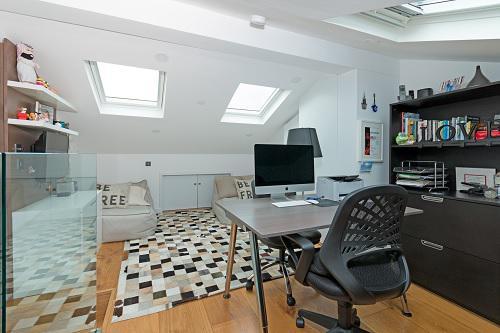 Image 58 - Refurbish loft space