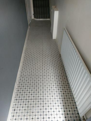 Image 15 - Tiled Flooring