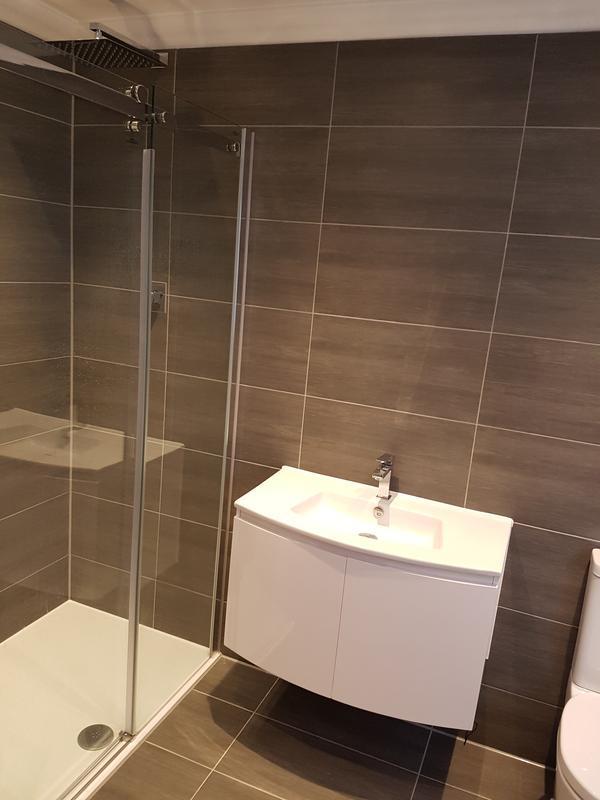 Image 26 - rayleigh bathroom