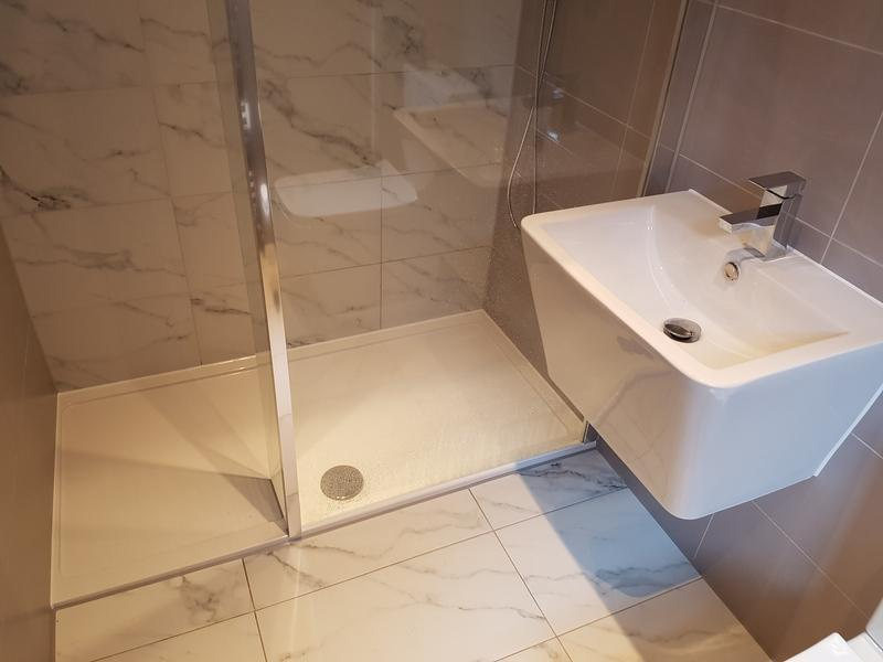Image 106 - rayleigh ensuite