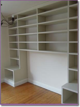 Image 3 - fitted bookcase with space for sofa