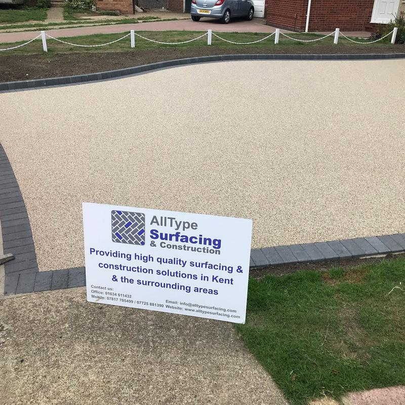 Image 15 - Resin driveway with charcoal border and charcoal keykerb border to create planting area