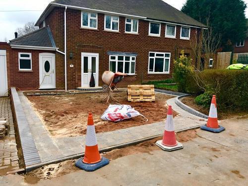 Image 54 - Tarmac & Alpha block paving driveway in Woking