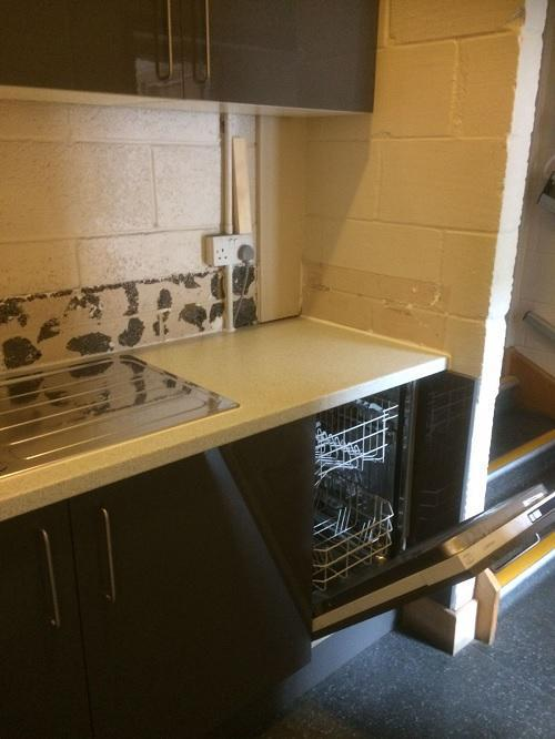 Image 16 - Small kitchen fitted in 2 days