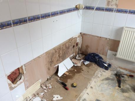 Image 12 - A bath out