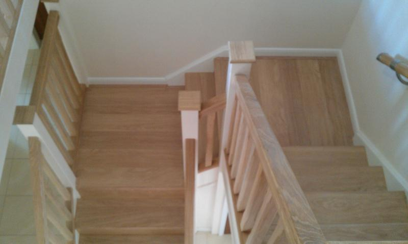 Image 32 - Laminate on staircase.