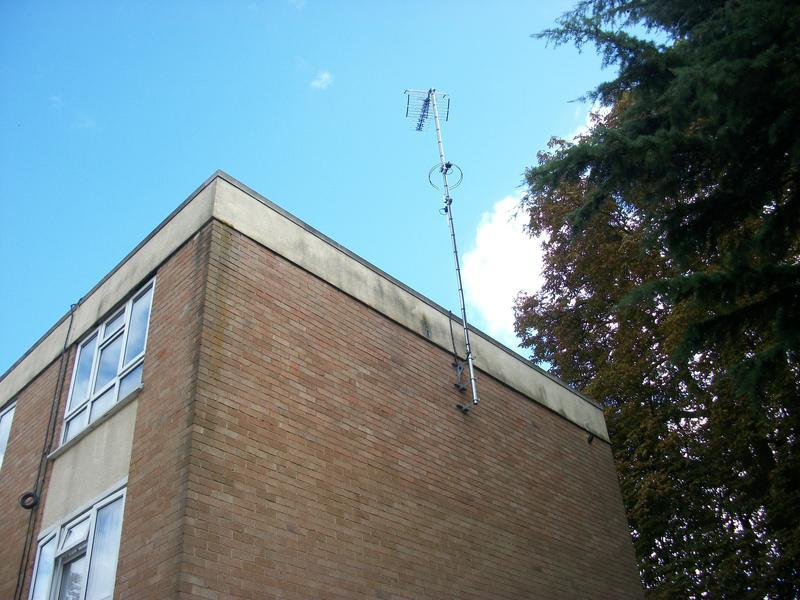 Image 18 - Communal uhf, dab and fm aerial to 24 flats