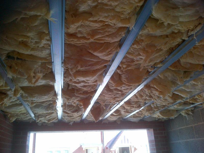Image 12 - Fibreglass insulation Garage ceiling