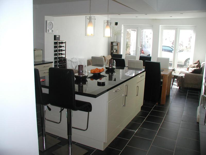 Image 12 - Bow kitchen extension
