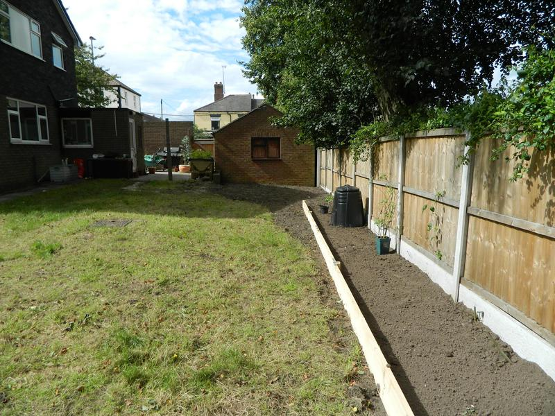 Image 7 - Sarah & Andy's Pleasant Retreat (Just Waiting For The New Grass Seed To Come Through On The Bank)!