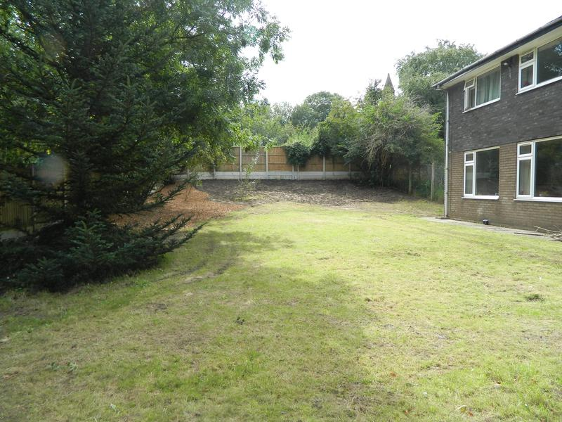 Image 8 - Sarah & Andy's Pleasant Retreat (Just Waiting For The New Grass Seed To Come Through On The Bank)!