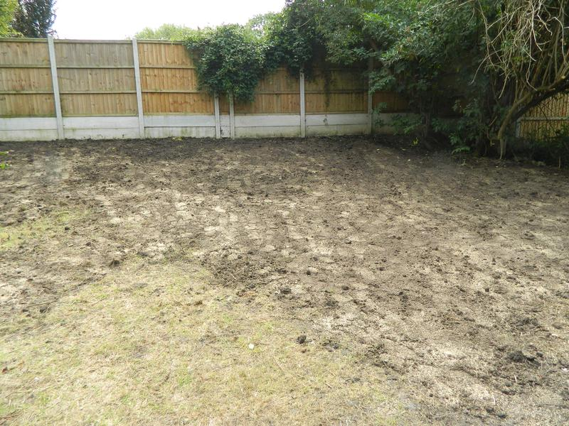 Image 9 - Sarah & Andy's Pleasant Retreat (Just Waiting For The New Grass Seed To Come Through On The Bank)!