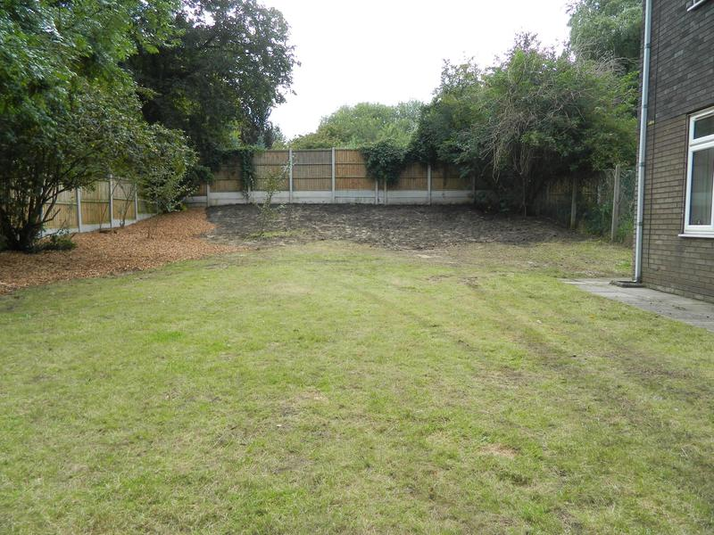 Image 12 - Sarah & Andy's Pleasant Retreat (Just Waiting For The New Grass Seed To Come Through On The Bank)!