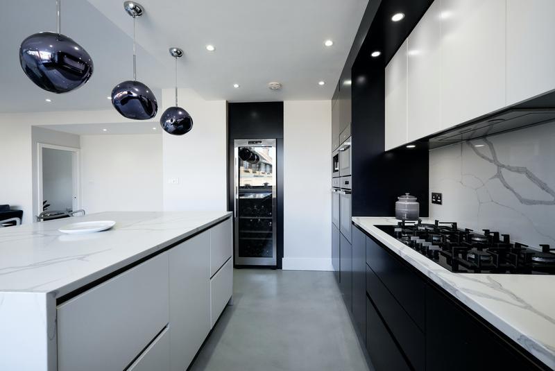Image 14 - Kitchen Easr Sh