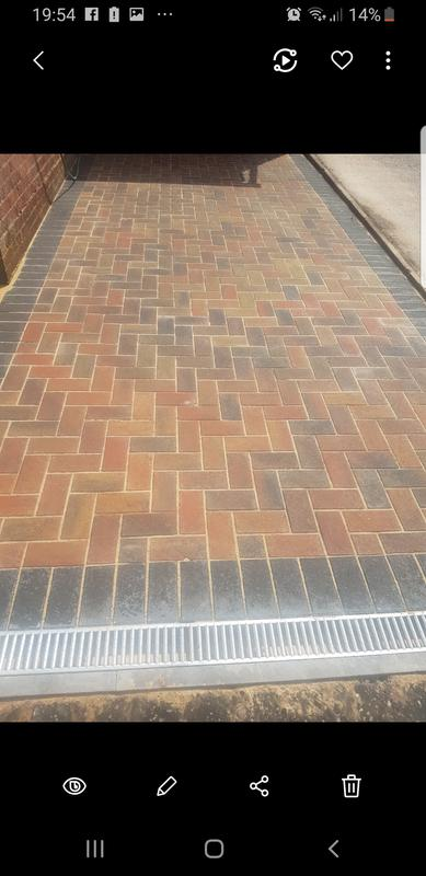 Image 180 - Autumn gold block paving with a charcoal border. All drives no matter what their fall should have adequate drainage from your own drive.