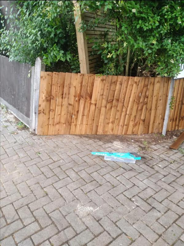 Image 12 - Supply and fit, new feather edge fencing.