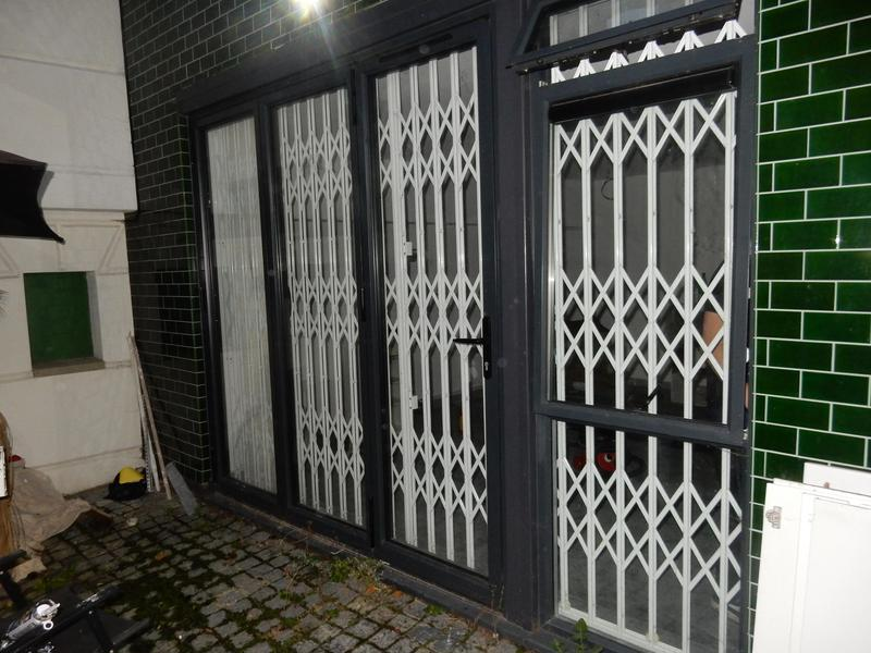 Image 17 - High security concertina gates, galvanised and powder coated with high security locks