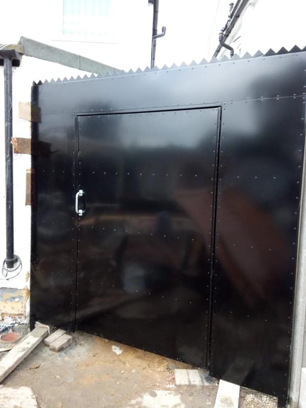 Image 44 - High Security Side Gates, galvanised and powder coated, high security deadlocks fitted as standard