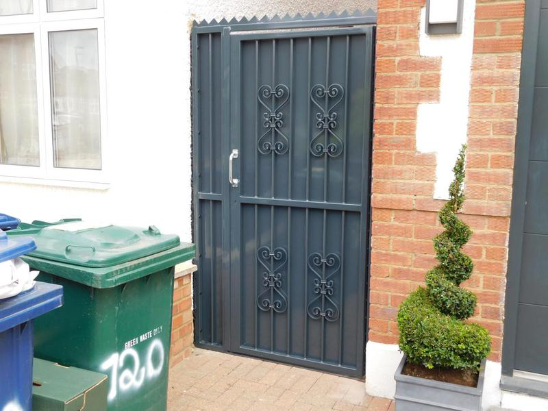 Image 47 - High Security Side Gates, galvanised and powder coated, high security deadlocks fitted as standard