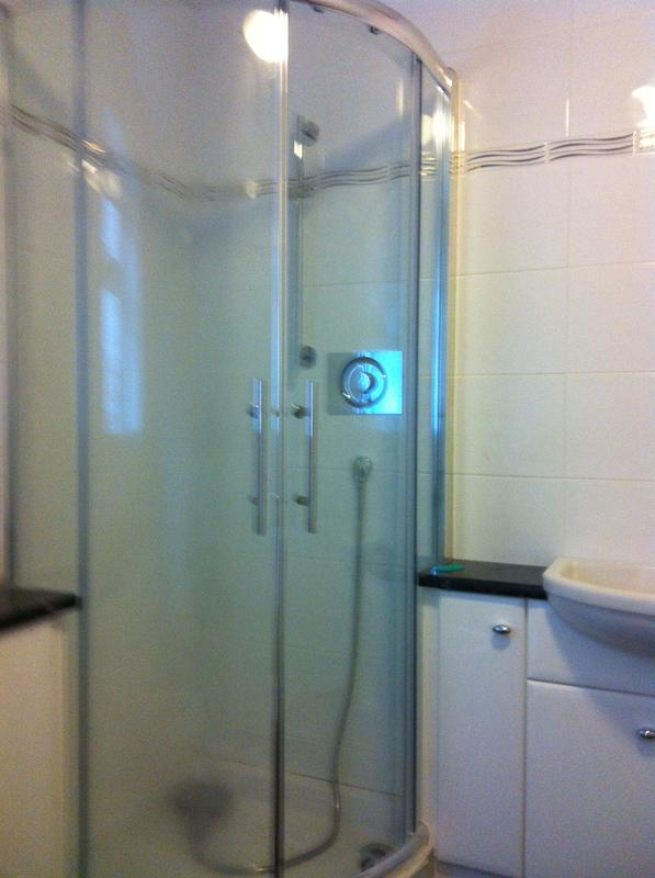 Image 6 - Shower enclosure fitted with all new plumb work
