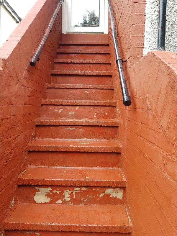Image 85 - leaking concrete stairs