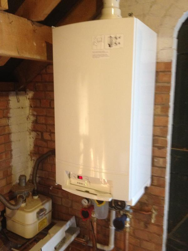 Image 12 - worcester 62 KW Light Commercial Boiler In a Grade 1 listed house