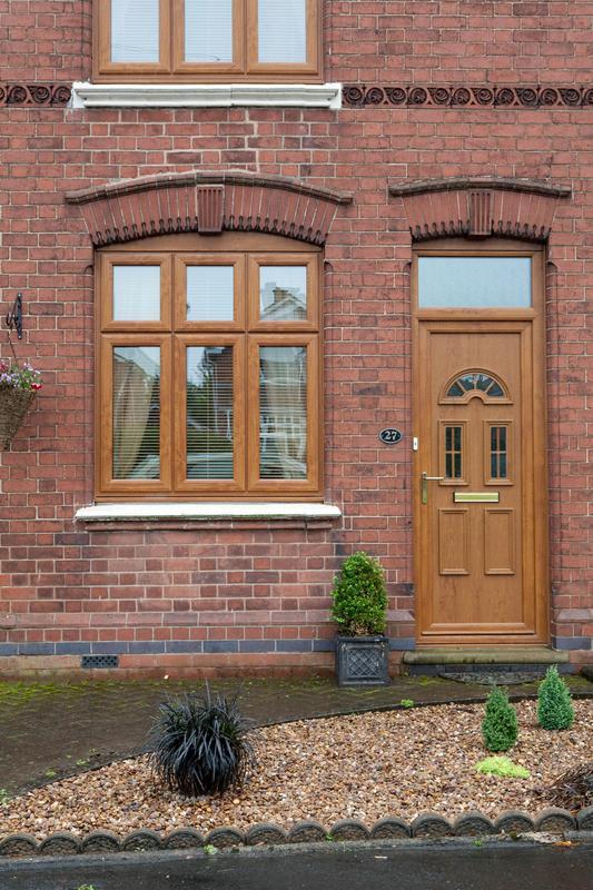 Image 15 - light oak door &windows