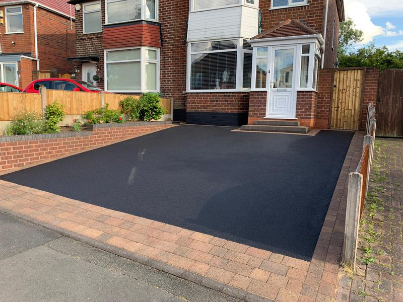 Image 5 - Pendress PowerClean Driveway Clean and Tarmac Sealer - after