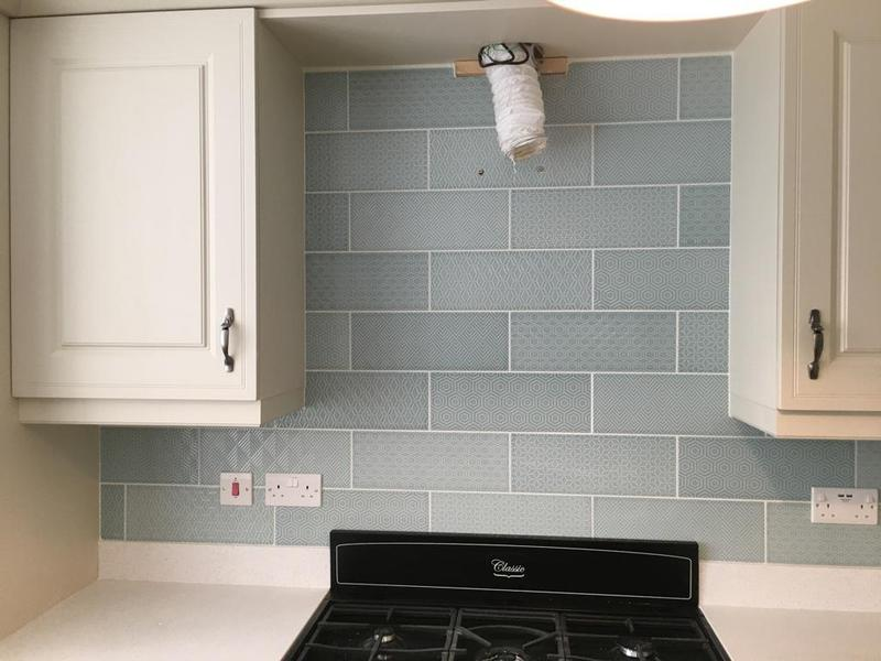 Image 122 - kitchen splash back tiled in a random pattern tile