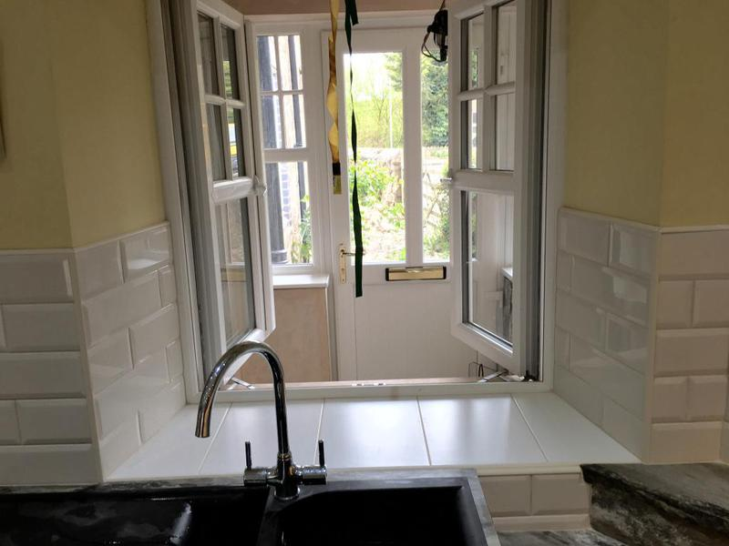 Image 157 - kitchen splash back in metro tiles
