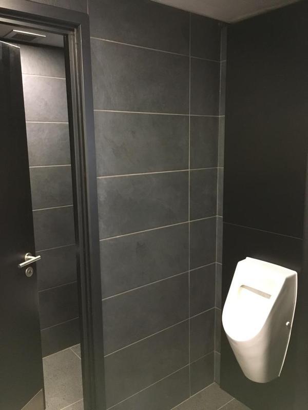 Image 147 - Porsche mens and ladies toilets