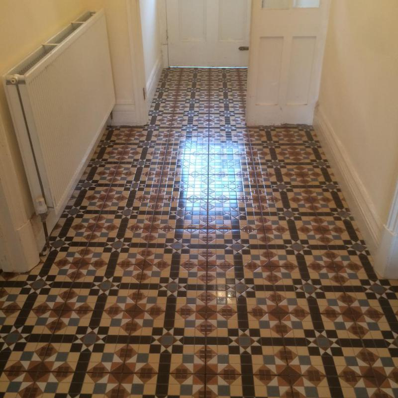 Image 105 - entrance hallway - floor levelled then tiled in a victorian print tile