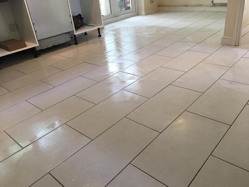Image 170 - kitchen floor in a 600 x 300 tile installed brickbond