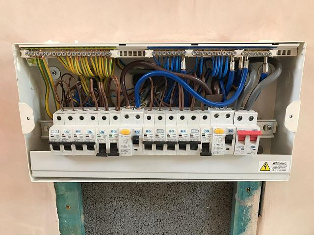 Image 11 - A look inside the consumer unit