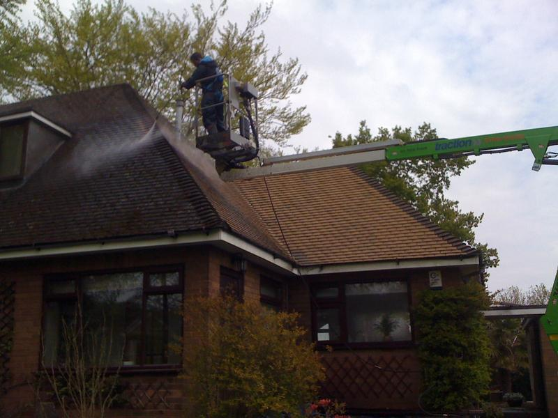 Image 156 - roof cleaning (during)