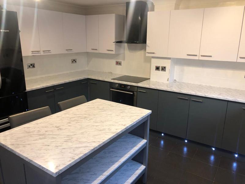 Image 70 - After kitchen wrap in top white matt cupboards and bottom dark matt grey and white Carrera marble worktops. your colours your design.