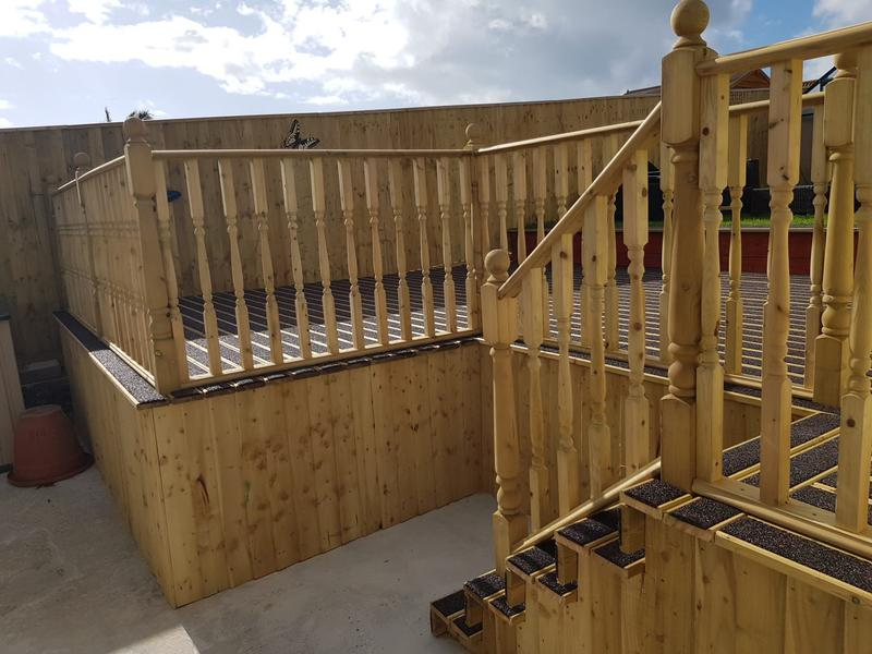 Image 211 - Anti slip decking with steps and hand rail
