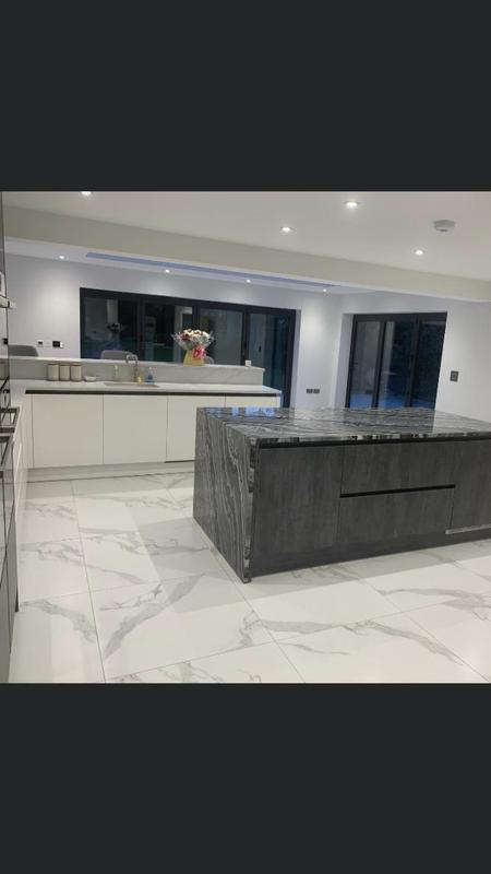 Image 35 - New porcelain floor tiles with underfloor heating.