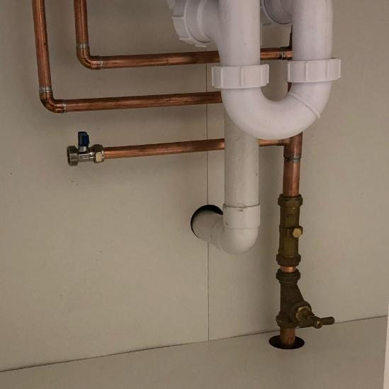 Image 17 - Under sink pipework