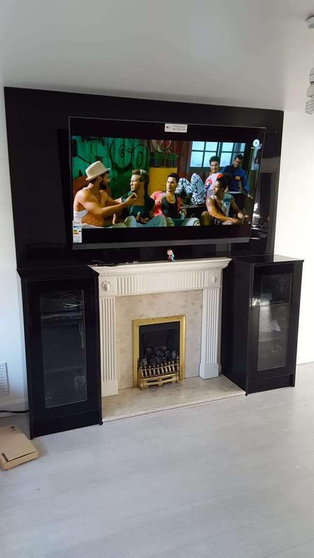 Image 25 - Fire place T.V