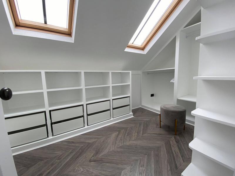 Image 7 - White Walk in wardrobe