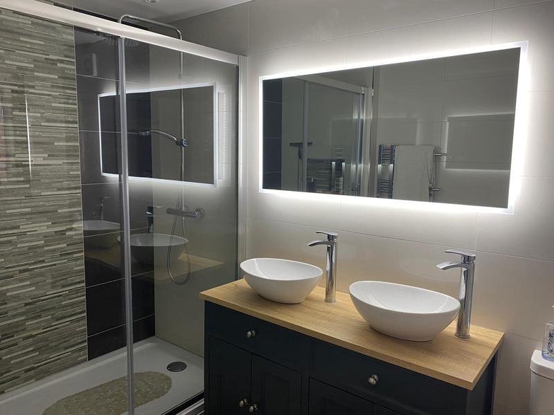 Image 33 - En-suite shower room