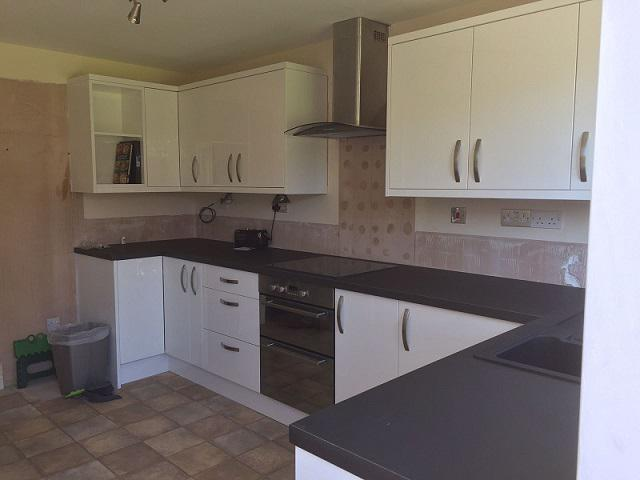 Welding Kitchens Kitchen Fitters In Cheadle Sk8 7el