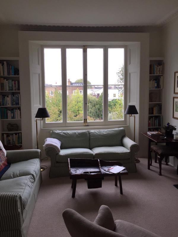 Image 17 - Livingroom