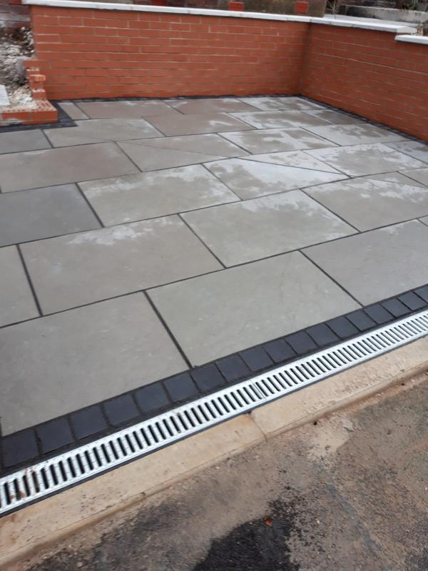 Image 19 - Dove stone paving with carbon set edgings