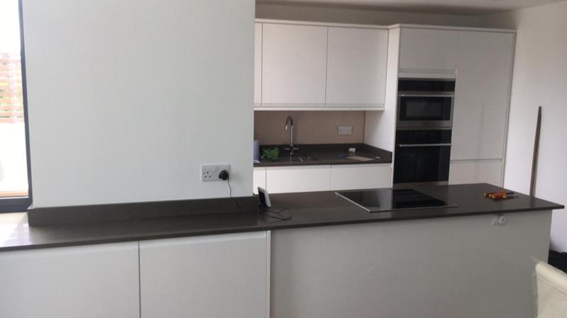 Image 19 - Howdens kitchen