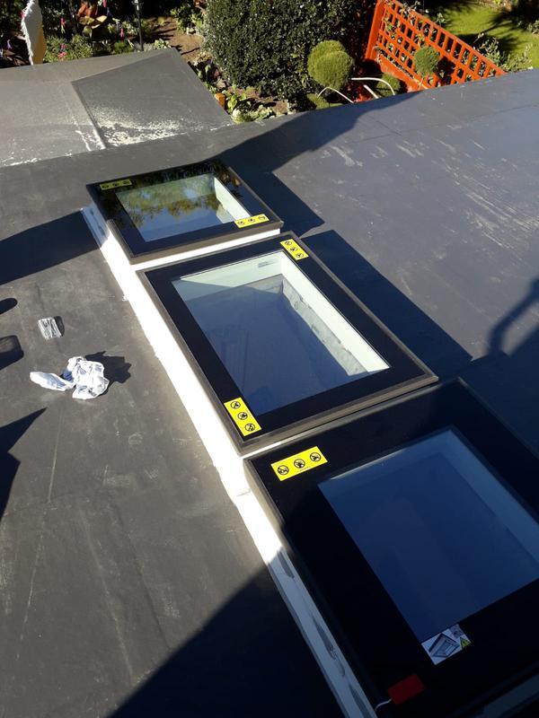 Image 161 - Fibreglass roof with new Windows
