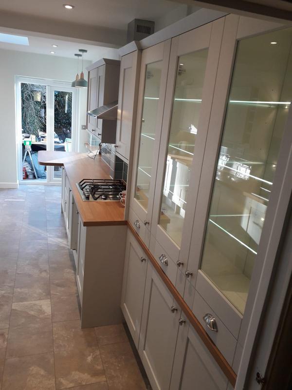 Image 200 - Full kitchen installation