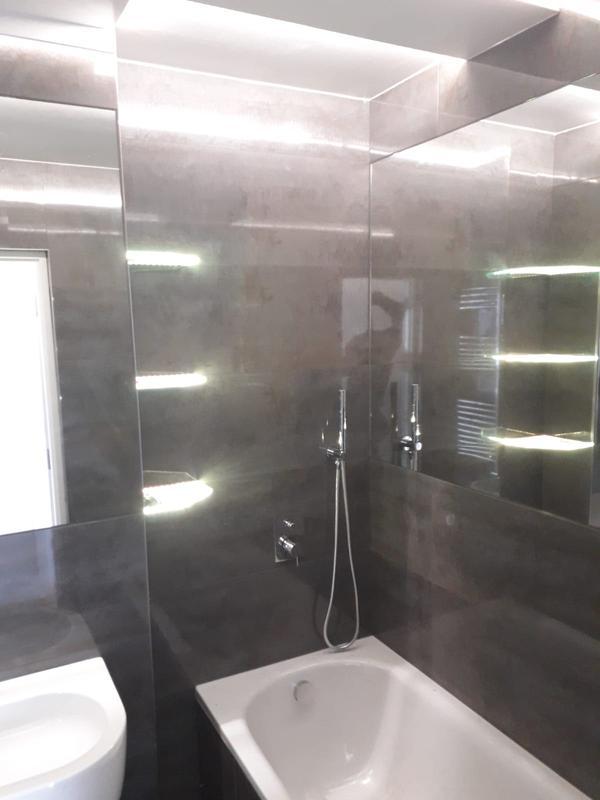 Image 222 - Full bathroom
